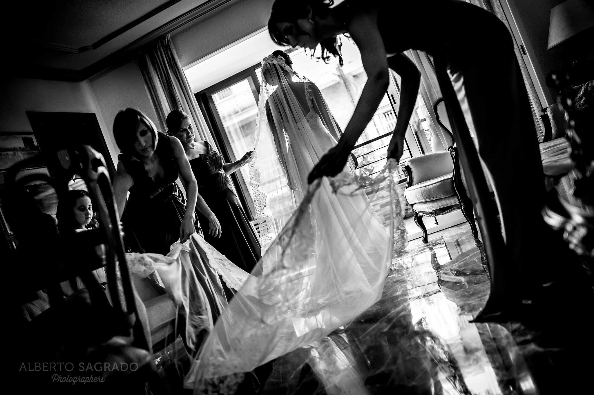 Cómo limpiar un vestido de novia